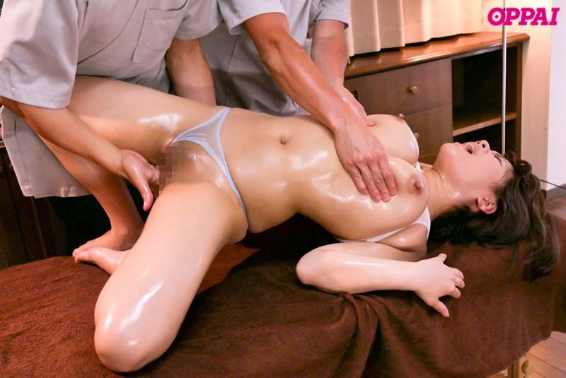 乳腺オイルマッサージでおっぱいが敏感になりイキ果てるエロ画像6