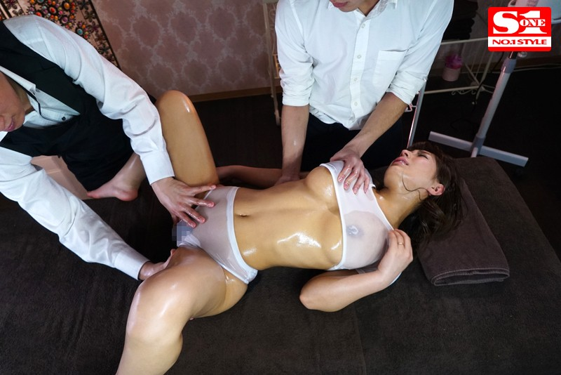 オイル店で服も脱がさず媚薬SEXで快楽に落ちる星野ナミエロ画像4