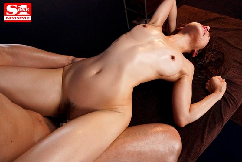 媚薬入りオイルで天使もえが痙攣しまくりイキまくりエロ画像9