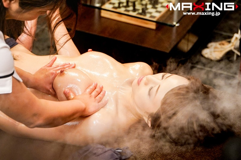 媚薬エロマッサでエビ反りしながらイきまくる吉沢明歩エロ画像10
