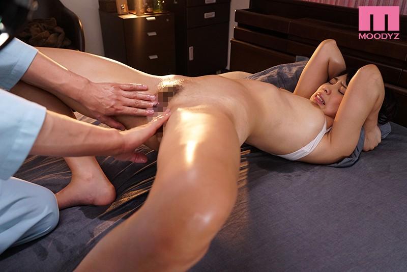 スキーン腺を責められエビ反り痙攣で絶頂する高杉麻里エロ画像8