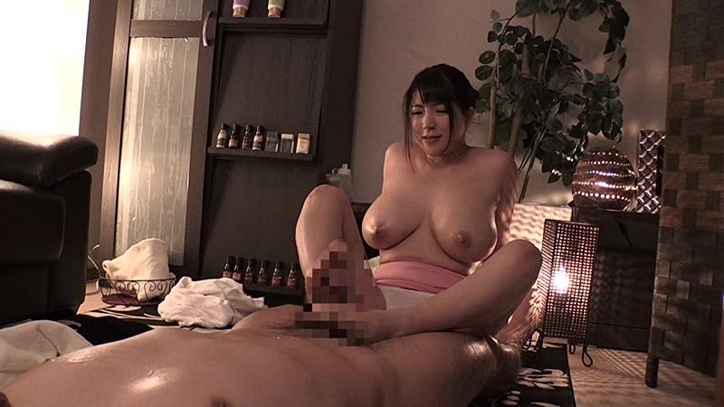 Kカップ爆乳「優月まりなちゃん」に隅から隅までご奉仕プレイエロ画像4